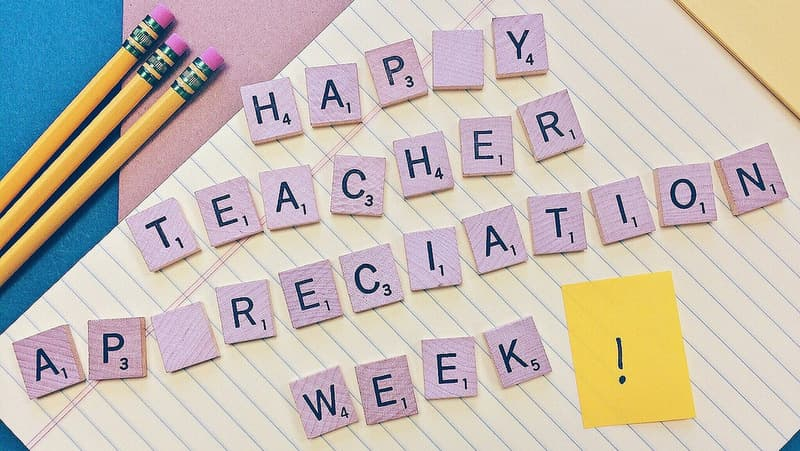 teacher-appreciation-week-1373216_1920-min